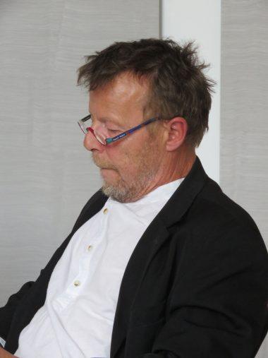 Tom SandqvistFöreläsning:Främlingen är inte hemma26 februari kl. 14